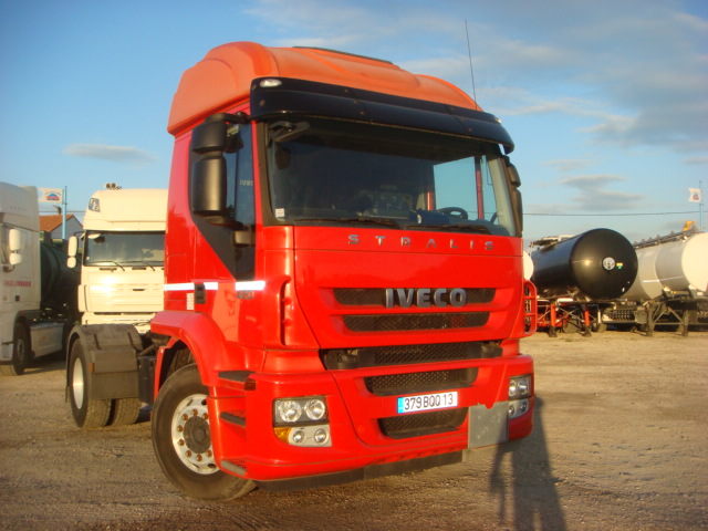 379BQQ13__IVECO_STRALIS-AT420_2008_337544kms-02